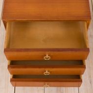 21028--Nightstands in mahogany with brass handles, pair, Norway, 60s-Para mahoniowych stolików nocnych z mosiężnymi uchwytami, lata 60. Norwegia--10