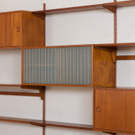 2121 Kai Kristiansen FM Wall Unit in teak with 2 cabinets, vitrine and 8 shelves-11