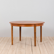 21259 Mid century Danish Round teak extension table with hidden leaves, 1960s-1