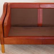 2137 S-Mogensen style 3 seater sofa in reddish leather z plamami -14