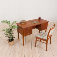 2238 Small Danish free standing teak desk with 3 drawers and cabinet, 60s-2