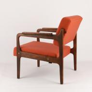 apollo-armchair-space-age-red-kosmiko-studio-ukos