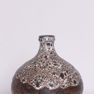 ceramiczny wazonik z wąską szyjką (2)
