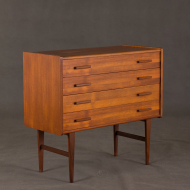 chest of drawer 2035-2