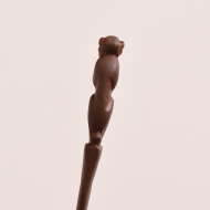 Figurka tekowa, II połowa XX w. nóż (6)