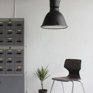 lampa_loftowa_lampy_loftowe_przemyslwe_przemyslowa_industrialna_vintage_maghaus_elgo_mat__aranżacja_1