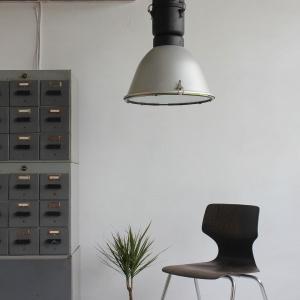 lampa_loftowa_lampy_loftowe_przemyslwe_przemyslowa_industrialna_vintage_maghaus_elgo_mat_szary_aranżacja_13