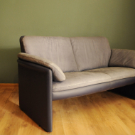 leoluks sofa  b