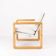 little-wonder-vintage-armchair-after-renovation-kosmiko-studio-minimalism-lewy-bok