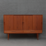 Oman Junn highboard-1