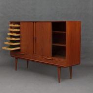 Oman Junn highboard-17