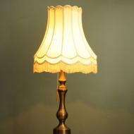 piekna okazala mosiezna lampa art deco  b