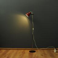 podłogowa czerwono czarna lampa ivars