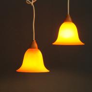 pomaranczowe dwie lampy sufit