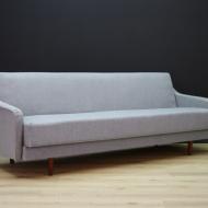 sofa-rozkladana-szara-tapicerka-mid-century-b