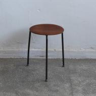 stołek dot fritz hansen arne jacobsen dania (1)