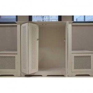 szafka-ze-skladanymi-azurowymi-drzwiami_antyki-sosenko_21-780x780