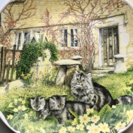 TALERZ ROYAL ALBERT CAT