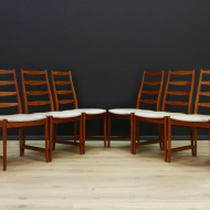 vamo-sonderborg-zestaw-szesciu-krzesel-szara-tapicerka-tekowa-konstrukcja-dunski-design- yes