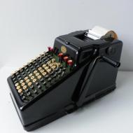 vintagex-calculating-machine-16