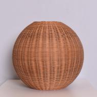 Wiklinowa lampa stołowa, lata 80. kula (1)
