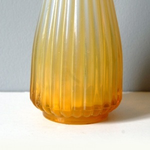 Zolty prazkowany wazon1